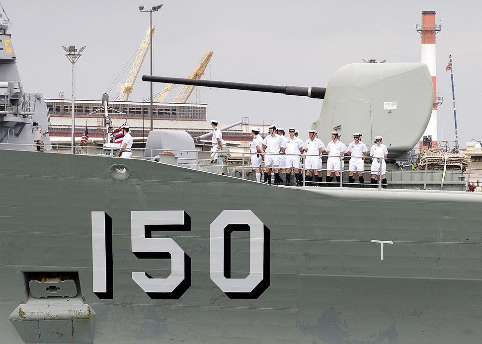 HMAS Anzac gun 2008