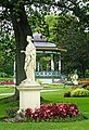 Halifax NS-02390 - Statues and Urns (28778159150).jpg
