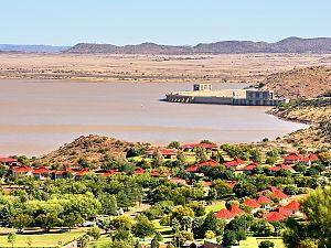 Gariep Dam (town) - View over Gariep Dam