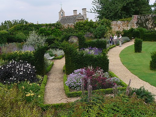 Herbaceous borders in Rockingham Castle grounds - geograph.org.uk - 2028097