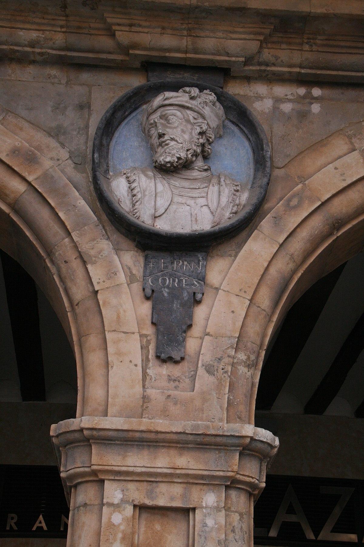 Hernán Cortés-Plaza Mayor de Salamanca.jpg