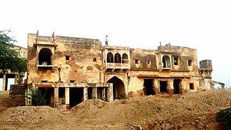 Hindaun - Palace at Hindaun fort