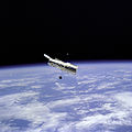 Hubble Space Telescope and Earth Limb - GPN-2000-001064.jpg