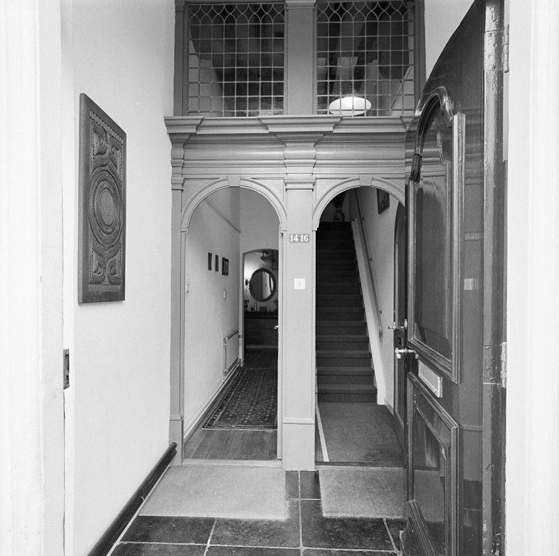 Huis 39 in den salamander 39 onder zadeldak en met trapgevel van het 39 dordtse 39 type met for Lay outs van het huis hal