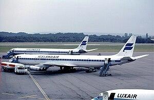 English: A pair of Douglas DC-8 of Icelandair ...