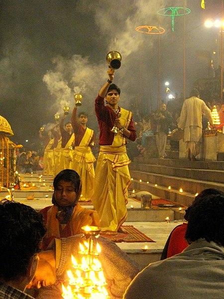File:Incense aarti at Dashaswamedh ghat, Varanasi.jpg