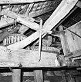 Interieur van watergedreven molen met onderslagrad, spoorwiel met steenschijf - Haaksbergen - 20283571 - RCE.jpg