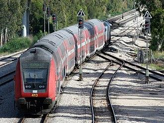 Israel Railways - Image: Israel Railways train 277 Benyamina Ashqelon 14 05 12