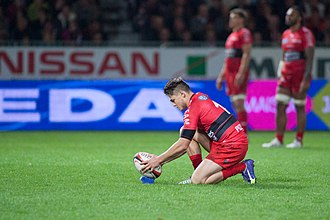 James O'Connor (rugby union) - O'Connor preparing a kick for Toulon