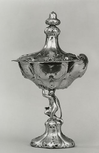 Auricular style - Standing cup by Johannes Lutma, 1639