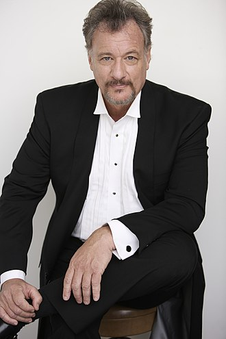 """Tapestry (Star Trek: The Next Generation) - John de Lancie made his seventh appearance as Q during the series in """"Tapestry""""."""