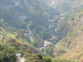 Kennon Road road in the Philippines