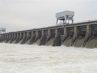 Kentucky Dam - Kentucky Dam, with gates open