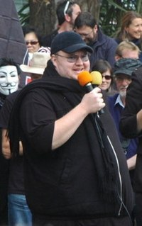 Kim dotcom crowd cropped.jpg