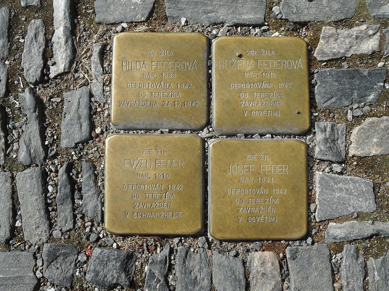 Kolín, Na Hradbách, Stolpersteine, rodina Federová.jpg