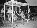 Koningin Juliana opent nieuw Provinciehuis te Arnhem, Bestanddeelnr 906-7195.jpg