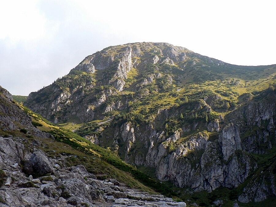 Magura (mountain)
