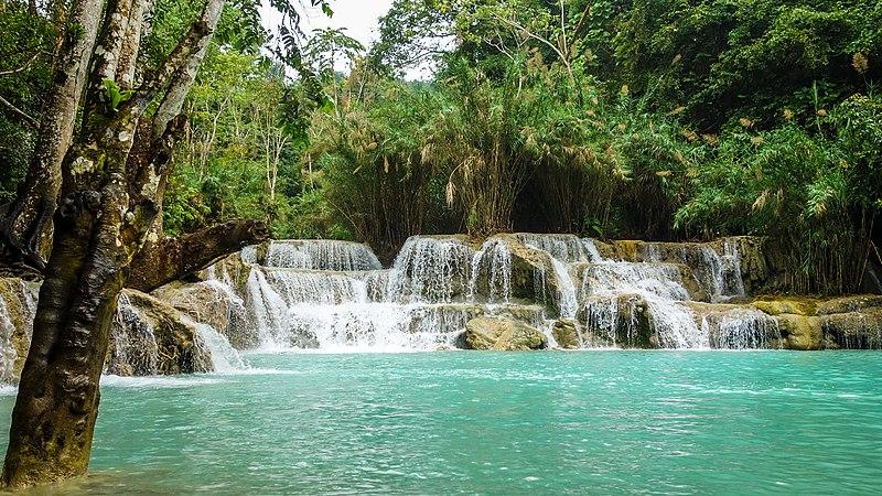 File:Kuang Si Waterfall (23828338220).jpg