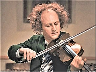 Larry Fine - Fine in Disorder in the Court (1936)