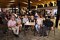 La alcaldesa celebra con los comerciantes el 75 aniversario del Mercado de Chamberí 04.jpg