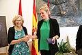 La alcaldesa recibe a Beatrice Fihn, premio Nobel de la Paz por luchar contra las armas nucleares 02.jpg