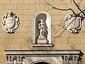 La hornacina y los escudos * Monasterio de la Inmaculada y San Pascual (Madrid) (15817886203).jpg