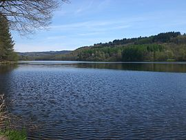 The Saint-Pardoux Lake, north of the village of Compreignac