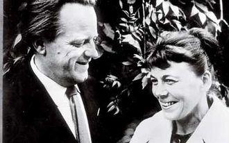 Lars Ahlin - Lars Ahlin with his wife Gunnel, 1960.