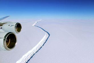 Larsen Ice Shelf - 2016 rift in Larsen C, wide view