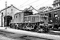 Lausanne Depot mit Krokodillokomotive um 1938.jpg