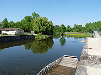 Le Vanneau-Port fluvial.JPG