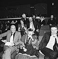 Links Wim Sonneveld, achter (met baard) Joop Doderer, Bestanddeelnr 926-8958.jpg