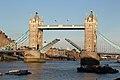 London, Tower Bridge (14663754392).jpg