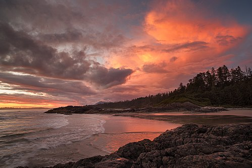 Long-Beach - Pacific Rim National Park Reserve.jpg