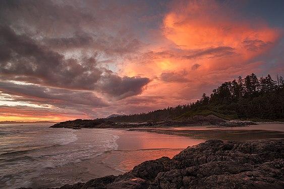 Long-Beach - Pacific Rim National Park Reserve.jpg