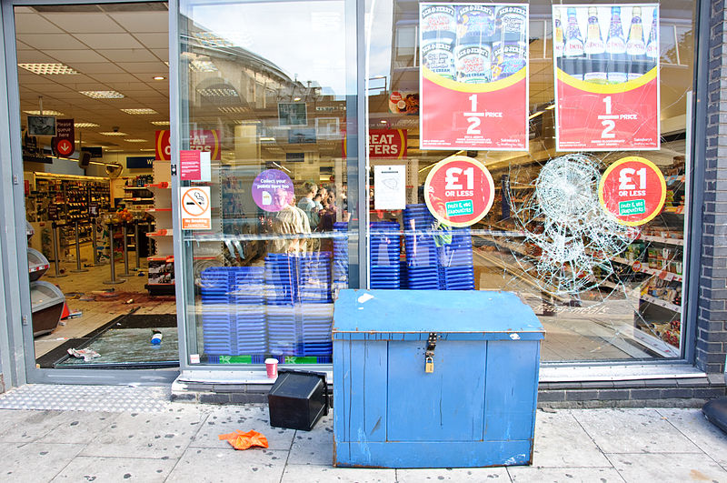 File:Looted Sainsbury's in Chalk Farm, Camden, after 2011 riots.jpg