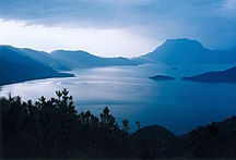 Yunnan-Geografia fisica-LuguLake