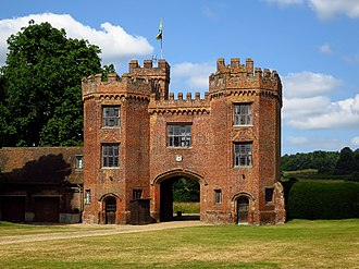 Lullingstone Castle - Restored 16th Century gatehouse to Lullingstone Castle