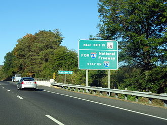 Interstate 70 in Maryland - Disambiguation sign posted in advance of the MD 68 interchange on westbound I-70 near Clear Spring
