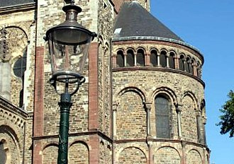 Basilica of Saint Servatius - Image: Maastricht, St Servatius, East facade 01