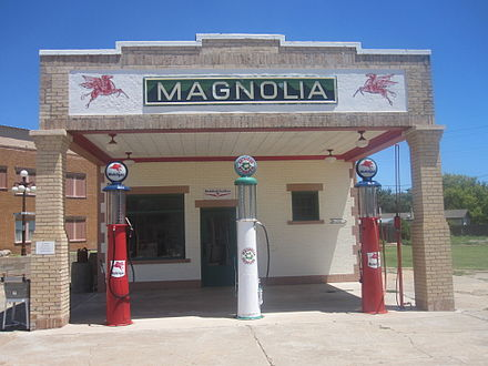 Restored Magnolia gasoline station museum on Route 66 in Shamrock in Wheeler County, TX Magnolia gasoline station, Shamrock, TX IMG 6141.JPG