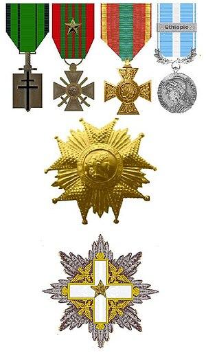 """Gaston Palewski - Palewski's decorations. The Compagnon de la Libération, Croix de Guerre with star, Croix du combattant volontaire, Médaille Coloniale with bar """"Éthiopie"""" and the stars of the two grand-crosses"""