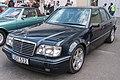 Mercedes-Benz E 500 LTD, Techno-Classica 2018, Essen (IMG 9804).jpg