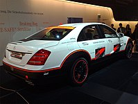Mercedes benz s class w221 wikipedia esf 2009 experimental safety vehicle based on mercedes benz s 400 hybrid v221 fandeluxe Gallery