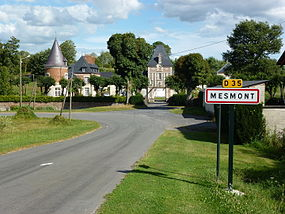 Mesmont (Ardennes) château PA00132582.JPG