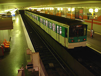 Paris Métro Line 5 - Image: Metro Paris Ligne 5 station Bobigny Pablo Picasso 02