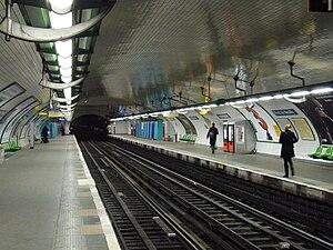 Pont de Neuilly (Paris Métro) - Image: Metro Paris Ligne 1 Pont de Neuilly (4)