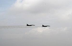 MiG-29 18102 i 18108 V i PVO VS 7 april 2012.jpg