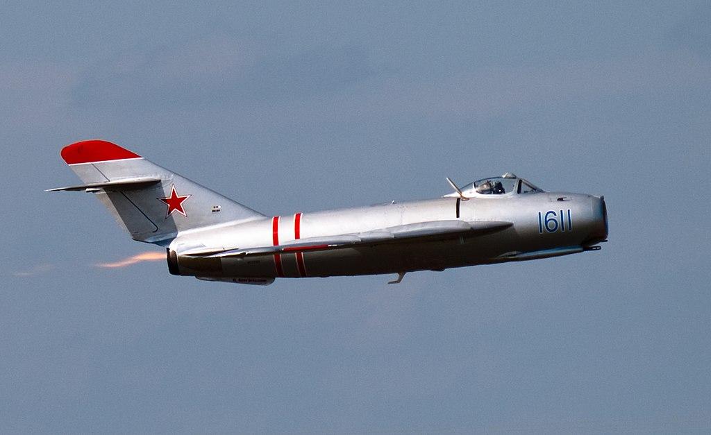 Mikoyan-Gurevich MiG-17 Fresco cn 1C1611 (N217SH).jpg