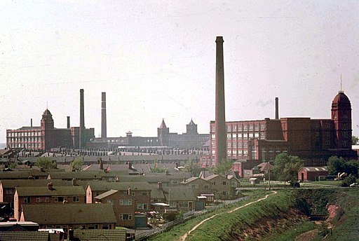 Mills in Leigh, 1974 - geograph.org.uk - 1766215